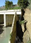 785. 150209. 31. El puente sobre el río Salado, dañado por la lluvia.